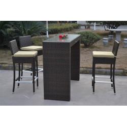 Conjunto de muebles de ratán sintético color chocolate formado por una mesa alta y tres taburetes